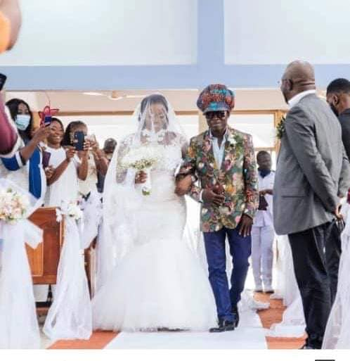 kojo-antwi-fulfils-life-long-dream-of-his-biggest-fan;-walks-her-down-the-aisle-on-her-big-day