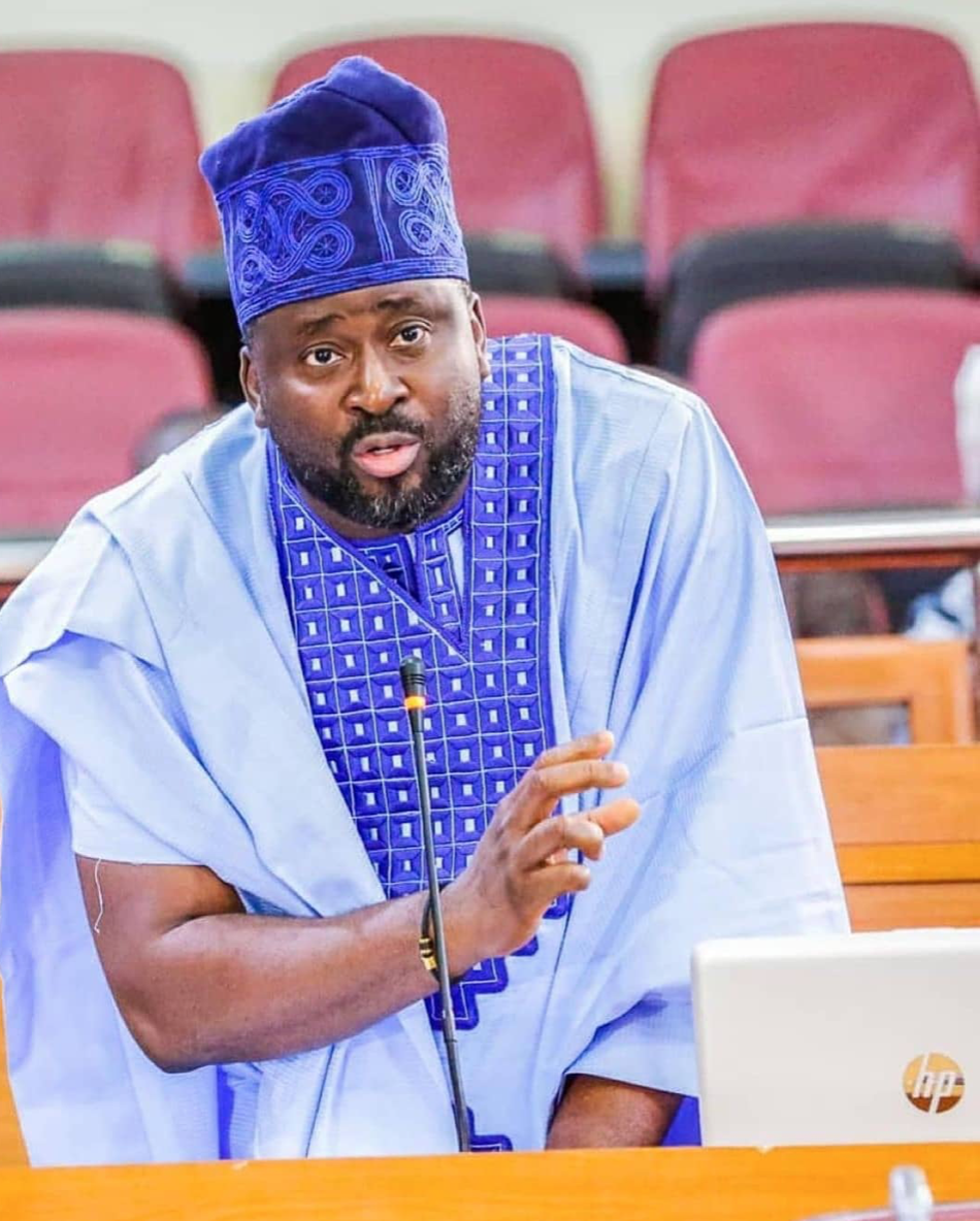 nigerians-drag-desmond-elliot-for-his-comments-on-#endsars-protests:-he-apologises