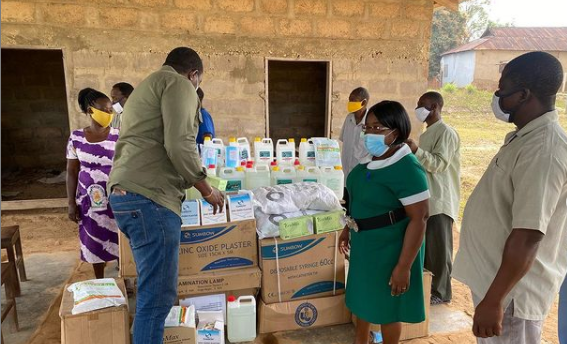 john-dumelo-celebrates-birthday-in-his-hometown-likpe-bala,-donates-medical-items-to-the-clinic