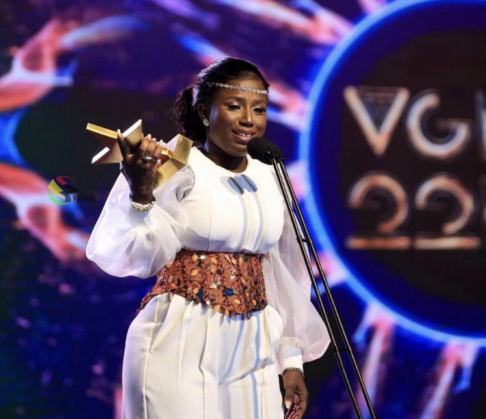 vgma22:-diana-hamilton-crowned-the-ultimate-'artiste-of-the-year'-in-ghana's-music-industry