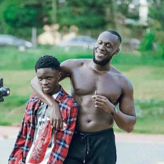 trending:-yaw-tog-in-hot-waters-for-saying-he-made-stormzy-popular-in-ghana