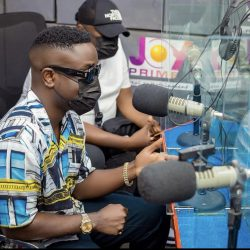 'no-matter-how-hard-you-work,-nigerians-wouldn't-put-you-ahead-of-their-artistes'-sarkodie