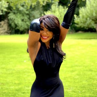 54-and-fabulous:-singer-stephaine-benson-celebrates-her-birthday-with-beautiful-photos