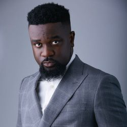 i-spent-my-first-pay-cheque-on-a-piece-of-land-sarkodie-reveals